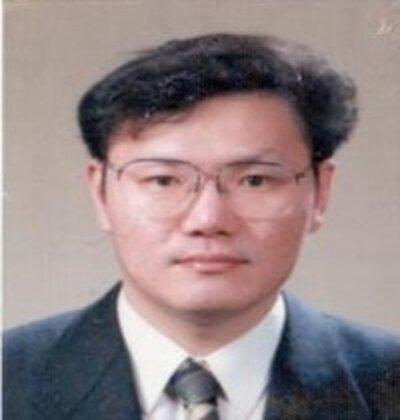 Yong-Ku Kim